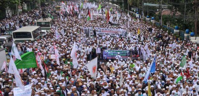 Benarkah Islam melarang memilih pemimpin non-muslim?